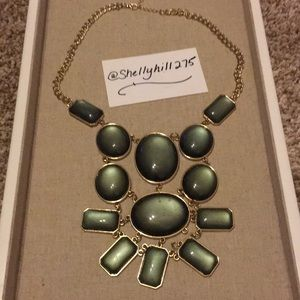 Jewelry - Bold Statement Necklace